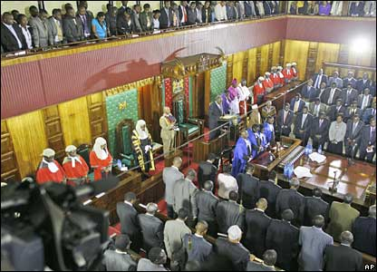 Kenyan President Mwai Kibaki addresses the opening session of parliament