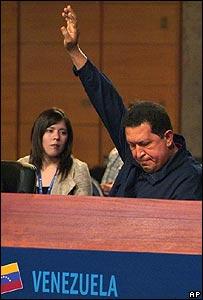 Hugo Chávez, presidente de Venezuela en la XVII Cumbre Iberoamericana