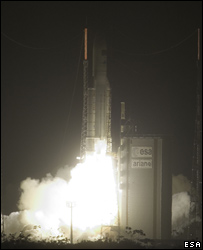 Ariane 5 climbs through the clouds (Esa)