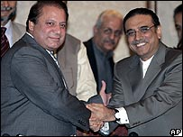 Nawaz Sharif and Asif Ali Zardari at a news conference