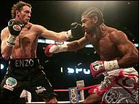 David Haye on his way to victory over Enzo Maccarinelli