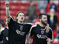 Glenn Loovens and Steve Thompson celebrate Cardiff's win