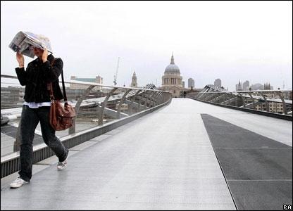 В лондоне в понедельник была очень