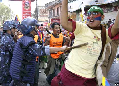 Tibetan exiles clash with police in Kathmandu