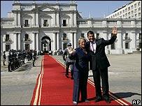 Michelle Bachelet y Rafael Correa