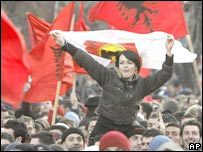 Kosovars celebrate declaration of independence Feb 2008