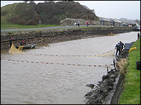 Fish rescue at Bude Canal