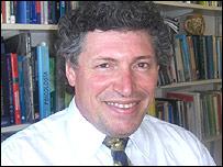 Dr. Roberto Ventura, neurólogo uruguayo, fundador de la Sociedad Uruguaya de Alzheimer