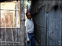 Gap between dwellings (Image: TVE)