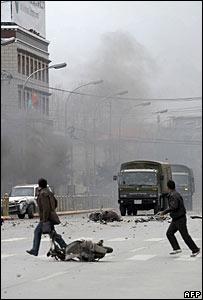 Manifestantes en Lhasa