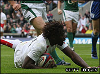 Paul Sackey goes over for England