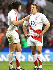 Danny Cipriani and Jonny Wilkinson discuss tactics during England's win over Ireland