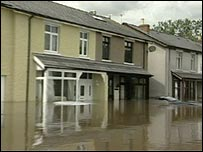 Flooded houses in Gloucestershire in 2007