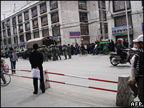 Police and army patrolling the streets of Lhasa