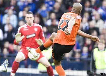 Extra-time, and Mark de Vries puts Dundee United back into the lead with 96 minutes played