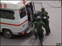 Chinese military check an ambulance - 16 March 2008