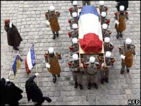 Coffin of Lazare Ponticelli draped with French flag