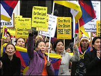 Tibetan protestors outside Chinese embassy in London