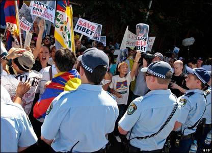 Tibetans protest in Sydney, Australia