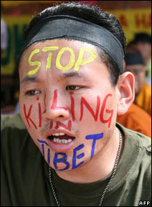 Tibetans protest in Delhi, India