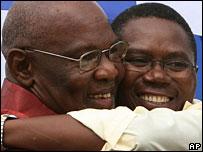 Dumiso Dabengwa (l) and Simba Makoni (r)