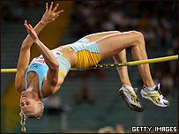 Carolina Kluft en el salto alto.