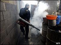 Fumigación contra dengue