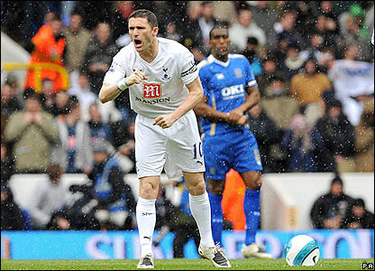 Tottenham captain Robbie Keane attempts to rally his team