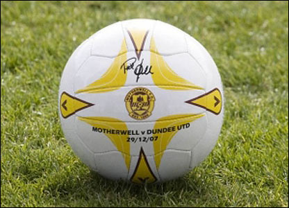 Phil O'Donnell tribute ball