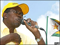 Simba Makoni campaigns near Harare on Friday