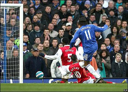 Drogba scores Chelsea's equaliser