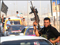 Mehdi Army militiamen in Basra in September 2007
