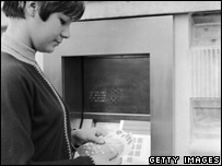 Early cashpoint machine