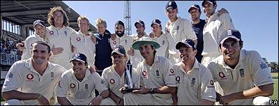 England celebrate their sereis victory