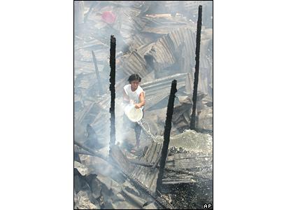 44515927 slumfire ap - Fighting  Fire in a Slum