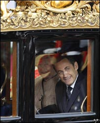 President Nicolas Sarkozy and the Queen