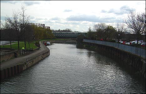 The same place on the Lee Navigation in 2008.