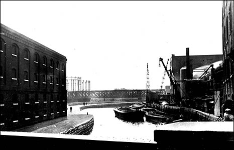 The River Lee Navigation near the House Mill, 1931.