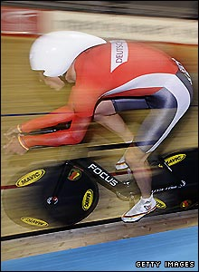 Germany's Robert Bengsch competes during the men's individual pursuit qualifying round