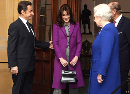 French President Nicolas Sarkozy and his wife Carla Bruni leave Windsor Castle