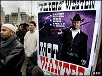 تظاهرات در مخالفت با فیلم خیرت ویلدرز در آمستردام - مارس 2008