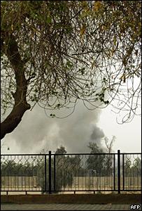 Columna de humo provocada por atentado en oleoducto