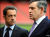 French President Nicolas Sarkozy (left) with Prime Minster Gordon Brown at the Emirates Stadium