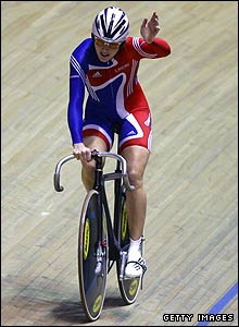 Victoria Pendleton is through in the team sprint