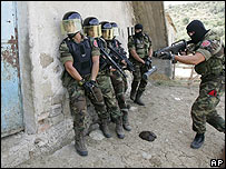 Italian Carabinieri on a drill in Calabria 21.08.07