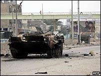 دبابة عراقية دمرت في المعارك