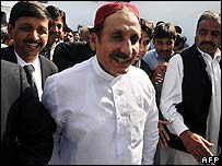 Freed former chief justice Iftikhar Chaudhry leaves a mosque in Islamabad on 28 March