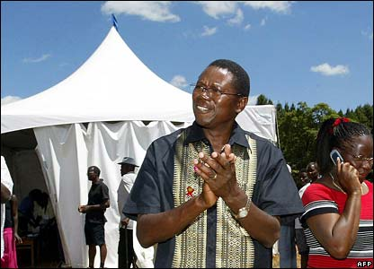 Simba Makoni leaves polling station after voting in Harare