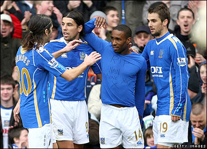 Defoe celebrates scoring for Portsmouth