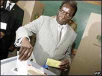 Zimbabwe's President Robert Mugabe voting on 29 March 2008